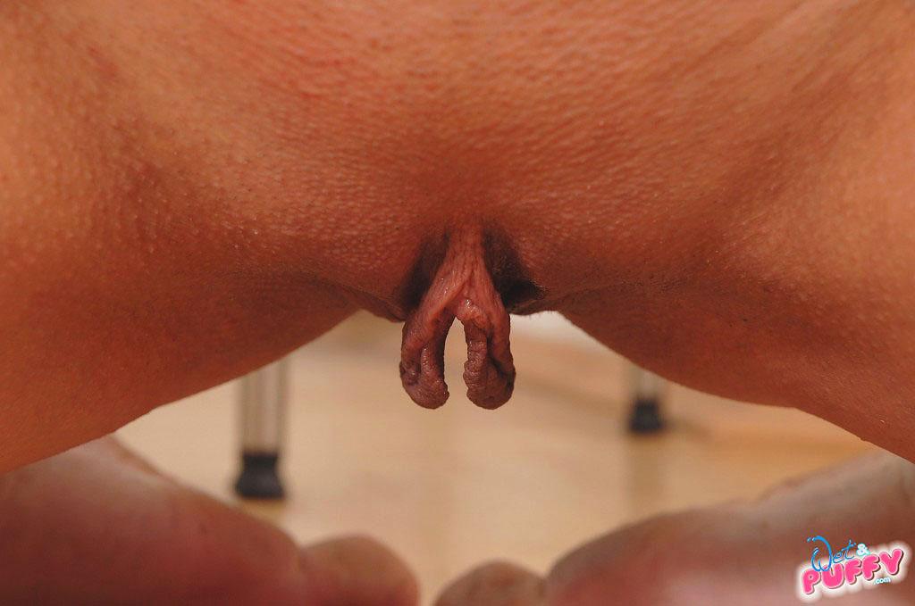 висячие половые губы фото
